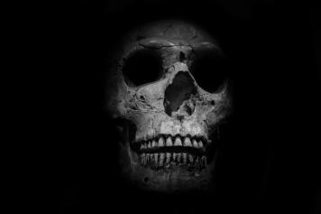skull-14682569868yk