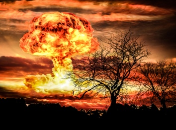 nuclear-bomb-explosion-14787960865lb
